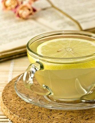 Vaso-con-agua-con-limón1